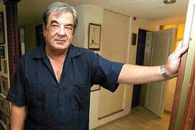 El escritor Eliseo Alberto