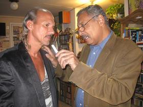 Raúl Ortega Alfonso, escritor cubano, es entrevistado en La FIL de Guadalajara.