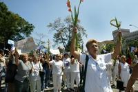 Acto de repudio a las Damas de Blanco frente a la iglesia de Santa Rita
