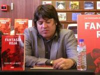 El escritor Iván de la Nuez, durante la presentación de 'Fantasía Roja' en Barcelona